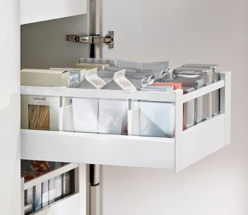 1. INNER_PANTRY_DRAWER_WITH_RAILS_GLASS_HOFFMANN_2